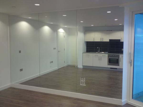 Mirror fitters installers in newcastle sunderland for Full wall mirrors